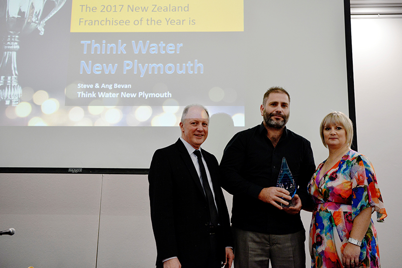 Think Water Taranaki accept the award of 2017 NZ Franchise of the Year
